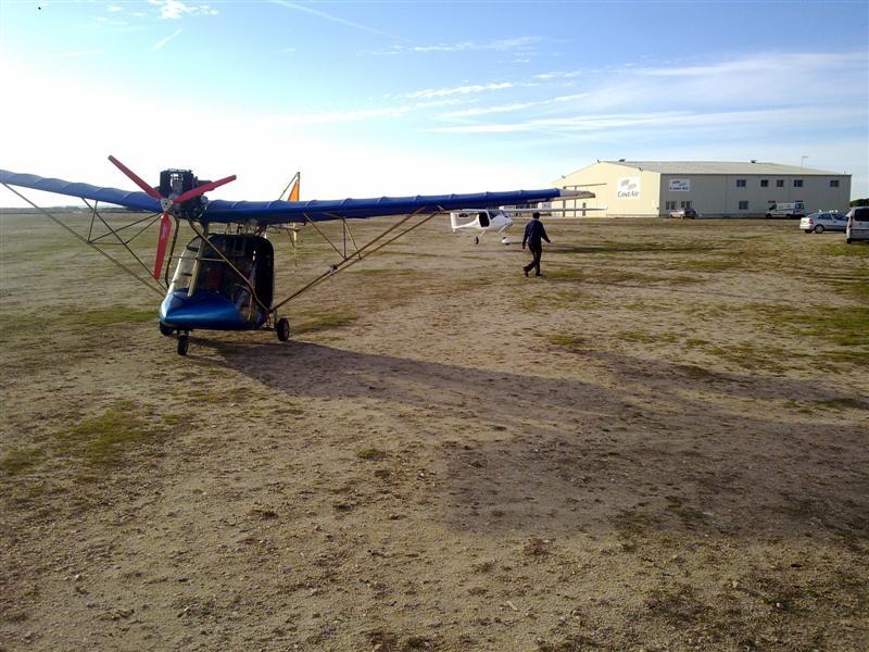Está viendo las imágenes del artículo: Visita al campo de vuelo de Alcazarén