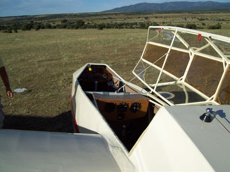 Está viendo las imágenes del artículo: Reportaje IV Encuentro de Planeadores Antiguos