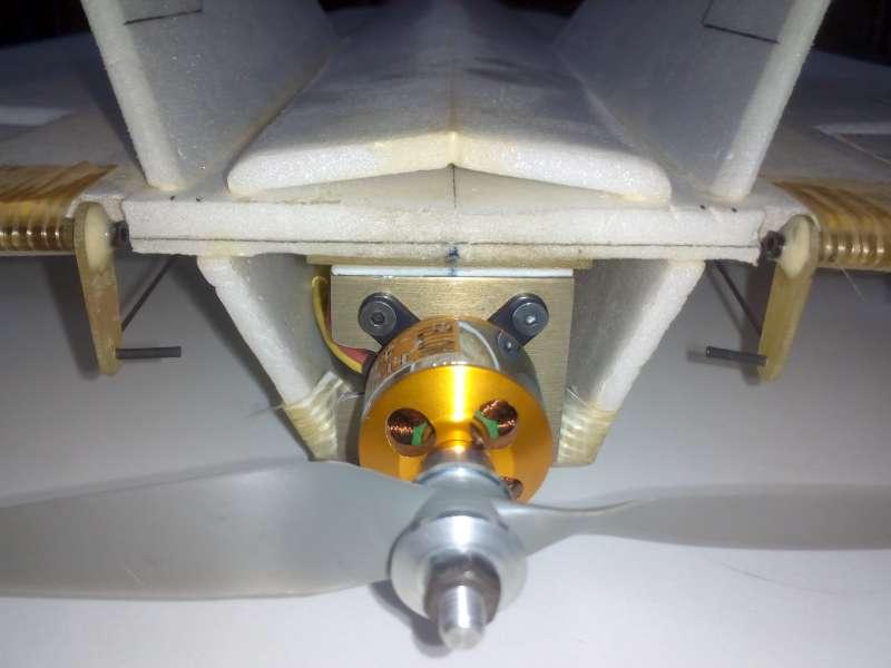 Está viendo las imágenes del artículo: F-22 Raptor de Depron